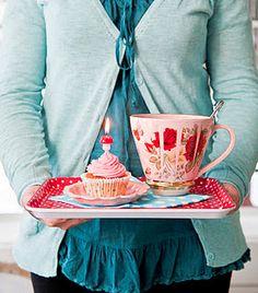 Love that mug for a cuppa Earl grey...