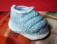 Tentando Tricotar: Sapatinho de bebê azul