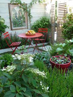 """La terrasse de Vertdéco, """"Un matin de juin, une autre idée de la nature urbaine"""", conception Vertdéco, Jardins Jardin aux Tuileries, juin 2010, photo Alain Delavie"""