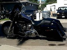 Harley Davidson Glide, Harley Davidson Touring, Custom Baggers, Sick, Twins, Motorcycles, Motorcycle Girls, Motorbikes, Gemini