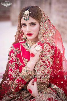 Bridal Mehndi Dresses, Pakistani Wedding Outfits, Bridal Dress Design, Wedding Dresses For Girls, Pakistani Dresses, Pakistani Mehndi Dress, Asian Bridal Dresses, Pakistani Fashion Party Wear, Indian Wedding Gowns