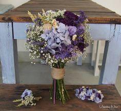 Ramo de novia con flores preservadas en tonos malva