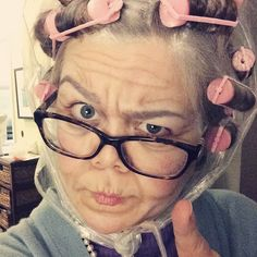 DIY Old Person Costume Inspiration & Accessories: DIY Grandmother Old Person Halloween Costume Idea Old People Costume, Old Lady Costume, Halloween Costumes Scarecrow, Halloween Kostüm, Old Lady Makeup, Granny Costume, Cat Halloween Makeup, Zombie Makeup, Homecoming Spirit Week