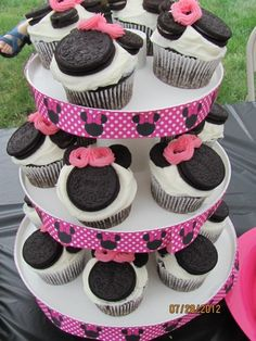 Minnie mouse cup cakes