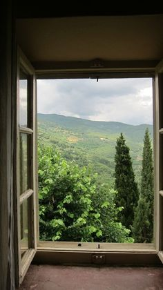 Check out this first rate modern windows - what a very creative theme Looking Out The Window, Through The Looking Glass, Window View, Open Window, Under The Tuscan Sun, Through The Window, Jolie Photo, Windows And Doors, Countryside