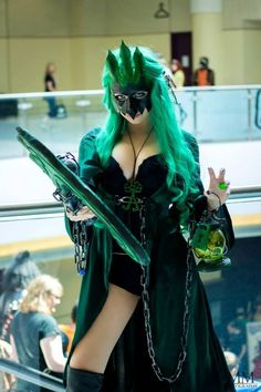 """allthatscosplay: """"Epic female Thresh cosplay from League of Legends by PrettyWreckCosplay Website 
