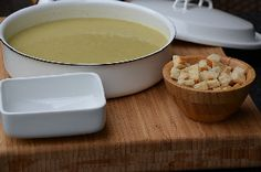 Soep met allerlei groenten maken / Making soup of alle kinds of vegetables
