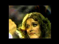 Lucía Méndez y Juan Gabriel - Siempre Estoy Pensando En Tí (En Vivo)