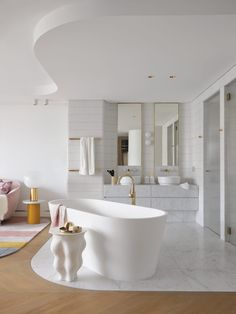 Integrated ensuite and master bedroom from award winning designer Greg Natale. Apartment Showcase, Open Bathroom, Bathroom Ideas, Melbourne House, Penthouse Apartment, European Furniture, Built In Bench, Australian Homes, Bathroom Interior Design