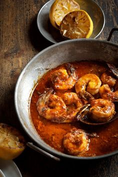"petitsluxes: "" Foodie Thurday: Seafood Spicy New Orleans Barbeque Shrimp 2 pounds fresh,jumbo shrimp, peeled and deveined ½ cup butter, melted 4 tablespoons Heinz Chili Sauce 3 tablespoons olive oil Shrimp Dishes, Shrimp Recipes, Fish Recipes, Great Recipes, Favorite Recipes, Recipies, Fish Dishes, Party Recipes, Delicious Recipes"