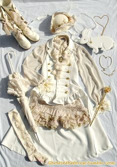 ghostintheforest:  Ivory x offwhite pirate ouji coord n_n Alice and the Pirates- Vest, tricorn, bootsAutomatic Honey- Gold necklaceBaby the Stars Shine Bright- Socks, Scepter, bunny bag, bracelet, wristcuffs, parasol, gold rose clipsHandmade- Pearl necklaceOffbrand- Vintage blouseOzz Angelo- ShortsVictorian Maiden- Ivory rose corsage