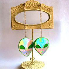 Holographic Alien Earrings Long UFO Hologram Alien Head Earrings 90s Grunge Jewelry Kawaii Jewelry Rainbow Jewelry Holographic Accessories