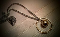 Pearl coloured bead pendant necklace