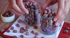 INGREDIENTES: 1 xícara (chá) de amendoim cru com pele 1 xícara (chá) de açúcar 1/2 xícara (chá) de água MODO DE PREPARO: 1- Em uma panela coloque todos os ingredientes. Comece em fogo alto, mexendo de vez em quando até a calda começar a...