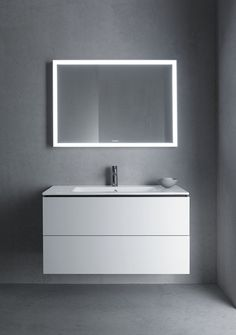 That& how much your dream bath costs- So viel kostet dein Traumbad Angular, boxy and good. Out with this ensemble and mirrors everything is clear.wohn-dir-was.de Artwork: (c) Duravit - Lavabo Design, Washbasin Design, Small Bathroom Layout, Modern Bathroom Design, Duravit, Philippe Starck, Hall Interior Design, Wall Mounted Bathroom Sinks, Small Toilet
