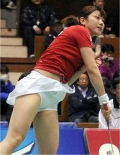 Connect wedding rings and fun! Women's Badminton, Tennis Wear, Beautiful Athletes, Tennis Players Female, Girls In Mini Skirts, Athletic Girls, Sporty Girls, Girls Fit, Muscle Girls