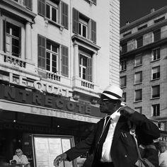 #marseille #biancoenero #blackandwhitephotography #blackandwhite #streetphotography #streetphoto  #bnw #igersbnw #marseillerebelle #massalia #instamarseille #planetemars #laviesurmars #marseillecartepostale #choosemarseille #marseille_focus_on #bnw_marseillecity #bnwgreatshots