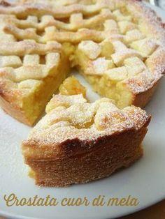CROSTATA CUOR DI MELA Biscuit Dessert Recipe, Pie Dessert, Dessert Recipes, Torte Cake, Cake & Co, Frozen Desserts, Just Desserts, Apple Recipes, Sweet Recipes
