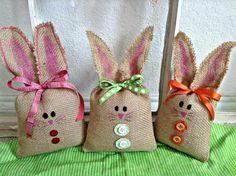 Panier de toile de jute Easter Bunny lapin lapins de Pâques Pâques décoration-READY TO SHIP-enfant cadeau de Pâques - 3 pc par SheriSewSweet par sherisewsweet sur Etsy https://www.etsy.com/fr/listing/182469501/panier-de-toile-de-jute-easter-bunny