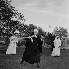 Baseball nuns! www.urbanrambles.com
