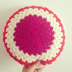 sweet sharna makes #crochet granny circle cushion