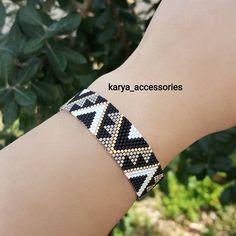 Loom Bracelet Patterns, Peyote Stitch Patterns, Bead Loom Bracelets, Peyote Beading, Bead Loom Patterns, Beaded Jewelry Patterns, Beading Patterns, Beaded Bracelets, Bead Earrings