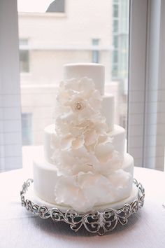 white wedding cakes look like roses   All White Wedding Cakes - Belle the Magazine . The Wedding Blog For ...