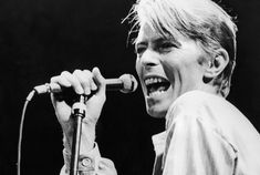 A readers poll of the 10 best David Bowie songs.