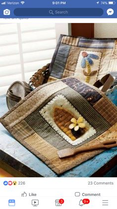 Small Quilt Projects, Felt Projects, Quilting Projects, Quilting Designs, Primitive Quilts, Primitive Crafts, Wool Quilts, Mini Quilts, Fabric Crafts