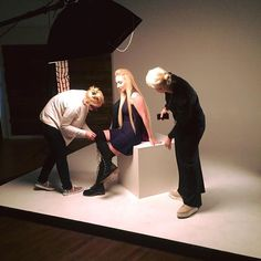 """""""Just by touching a piece of clothing I can already see the whole outfit"""" K. Redoak #stylist #fashionstylist #fashion #style #clothing #photoshoot #behindthescenes #creativesoftheworld"""