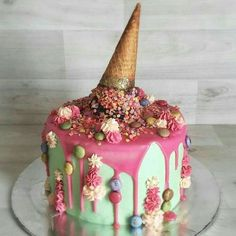 So pretty with the gold glitter, too pretty to eat!