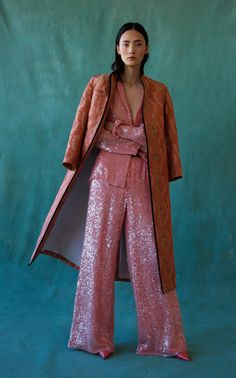 The complete Markarian Pre-Fall 2020 fashion show now on Vogue Runway. Fashion Week, High Fashion, Fashion Show, Fashion Outfits, Fashion Design, Space Fashion, Fashion Art, Style Haute Couture, Mode Costume