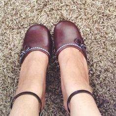 Vintage Style Tommy Hilfiger Turquoise/Brown Heels