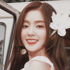 red velvet icons | Tumblr Kpop Girl Groups, Korean Girl Groups, Kpop Girls, Seulgi, Kpop Girl Bands, Peek A Boo, Red Velvet Irene, Cute Icons, Aesthetic Photo