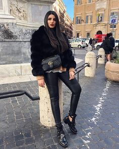 25 Best Warm Outfits Combination that are Perfect for Cold Weather - Beautifus Skater Girl Outfits, Boujee Outfits, Fall Fashion Outfits, Fur Fashion, Fall Winter Outfits, Look Fashion, Trendy Outfits, Winter Fashion, Womens Fashion