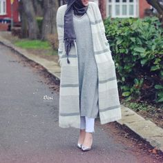 Navy-grey hijab and statement necklace with striped coat - check ou: Esma Modest Outfits, Modest Fashion, Fashion Outfits, Women's Fashion, Muslim Women Fashion, Islamic Fashion, Hijab Dress, Hijab Outfit, Turban