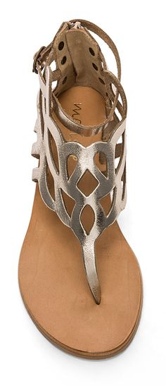 - There is nothing more comfortable and cool to wear on your feet during the heat season than some flat sandals. Pretty Sandals, Cute Sandals, Cute Shoes, Me Too Shoes, Flat Sandals, Shoes Sandals, Miller Sandal, Summer Shoes, Shoe Boots