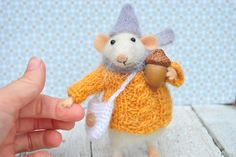 Toy Animals & Monster Toys – Mouse with acorn Felted wool mouse – a unique product by Ludmila-Marchenko on DaWanda