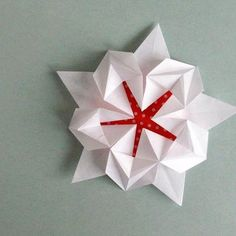 Origami Sakura Star Designed by David Martinez - beautiful!