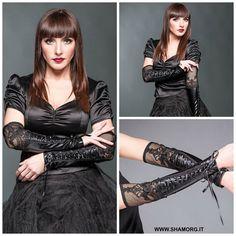 ☆ Black Gloves With Lace And Decorative Ribbon ☆ Scopri il catalogo completo dei guanti! #shamorg #qodfashion #gothicaccessories #gothicstyle #gothgoth