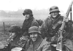 "Soldiers of the Fallschirm-Panzer Division 1 ""Hermann Göring"". Date/Location unknown. Pin by Paolo Marzioli"