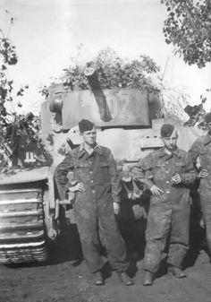 Panzer VI Tiger code S02 of Schwere Panzerkompanie SS-Panzer Regiment 2 Das Reich