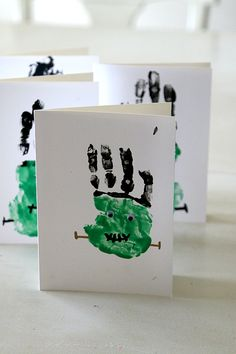 Frankenstein Handprints Craft: Easy Halloween! - MomDot