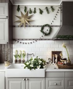 Christmas decor in the kitchen … - Home And Decor Ikea Christmas, Nordic Christmas, Natural Christmas, Christmas Kitchen, Rustic Christmas, All Things Christmas, Xmas, Christmas 2016, Ikea Pinterest
