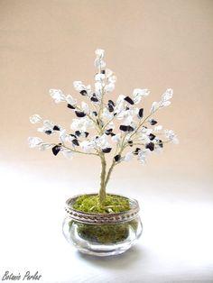 Arbre blanc et noir en pierres, cristal de roche et rocailles : Accessoires de maison par botanic-perles