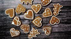 Pyszne pierniczki Kuroniowej – Przepisy Kuronia – Jan Kuroń Gingerbread Cookies, Sugar, Food, Gingerbread Cupcakes, Essen, Meals, Yemek, Eten