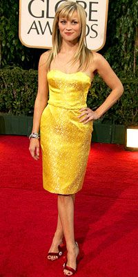 Reese Witherspoon makes a big statement in yellow