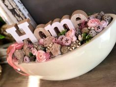 Creative Flower Arrangements, Artificial Flower Arrangements, Beautiful Flower Arrangements, Holiday Crafts, Home Crafts, Diy And Crafts, Flower Boxes, Diy Flowers, Flower Art Images