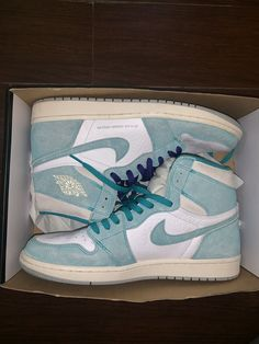 Air Jordan 1 RETRO OG HIGH is part of Air jordans, Cute sneakers, Jordans, Jordan Jordan 1 retro high, Sneakers fashion - size 12 trades Jordan Shoes Girls, Girls Shoes, Jordan Outfits, Cute Sneakers, Shoes Sneakers, Jordan Sneakers, Zapatillas Nike Jordan, Nike Air Shoes, Aesthetic Shoes