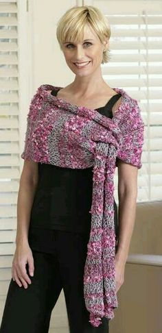 A knitted pattern - but what a great idea. I think any crochet rectangular shawl pattern could be changed to leave an opening like this. Crochet Poncho, Knit Or Crochet, Knitted Shawls, Crochet Scarves, Crochet Clothes, Crochet Summer, Shawl Patterns, Knitting Patterns, Crochet Patterns